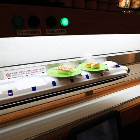 The small car can delivery the Sushi and other dish in Kintarosumoto Sushi .