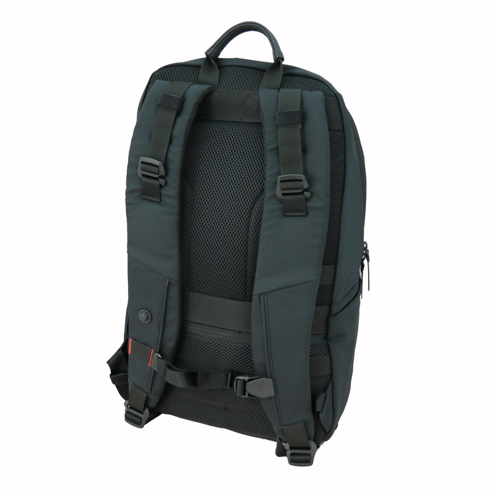 Niche FasRelis System on backpack