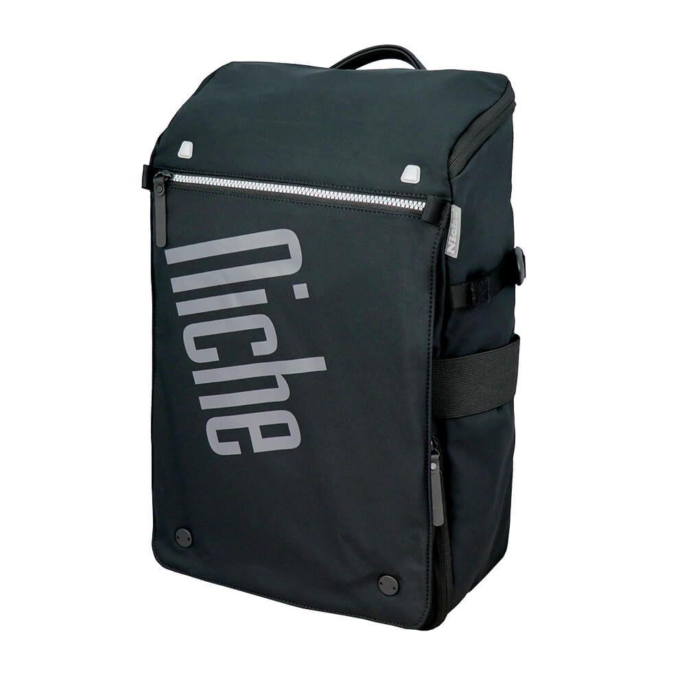 Neformální batoh s rychlým přístupem na zip a odnímatelnou kapsou na příslušenství, také s magnetickou přezkou pro pouzdro na notebook a pro mobilní pouzdro, ultralehká tkanina se skvělou vodoodpudivou úpravou