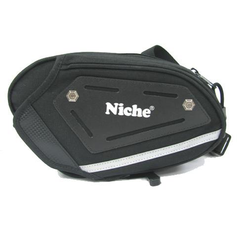 Nischenholster Tasche ist ein cooles Accessoire für Motorradfahrer