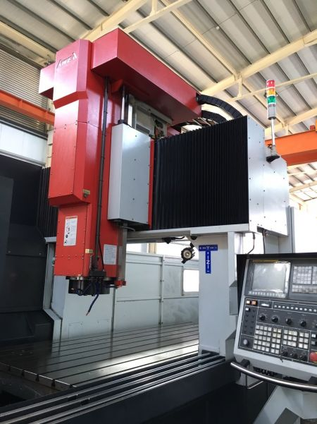 AWEA SP-3016 CNC DOUBLE COLUMN MACHINING CENTER_Spindle saddle & Y axis curtain