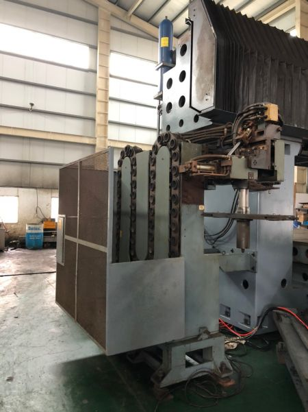 JOHNFORD DMC-8500 5 FACE Double Machining Center_Tool Magazine