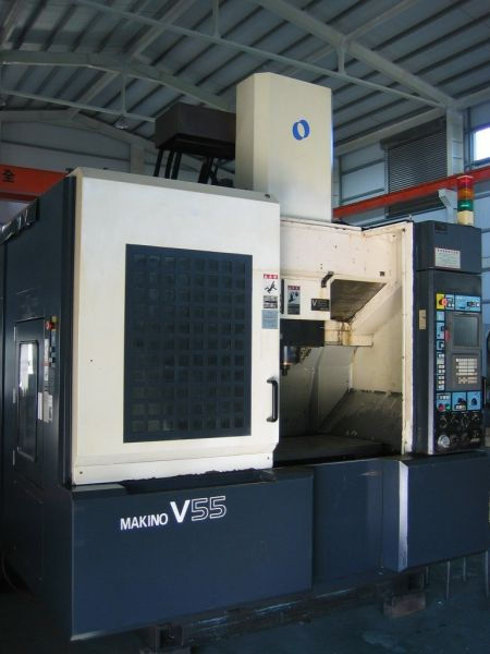MAKINO V55 CNC VERTICAL MACHINING CENTER