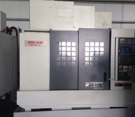 MORI SEIKI NV5000 α1 CNC VERTICAL MACHINING CENTER