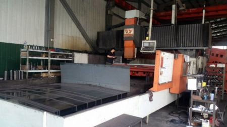 VTEC VH-6742AH CNC DOUBLE COLUMN MACHINING CENTER