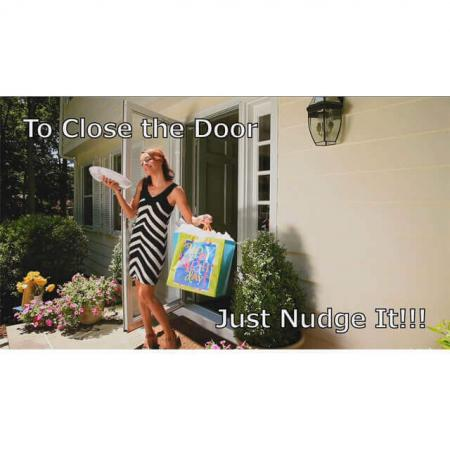 Cutucar a porta pela bunda para fechar a porta
