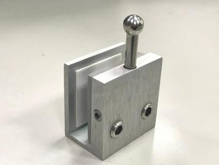 Bottom door bolt, unlocked