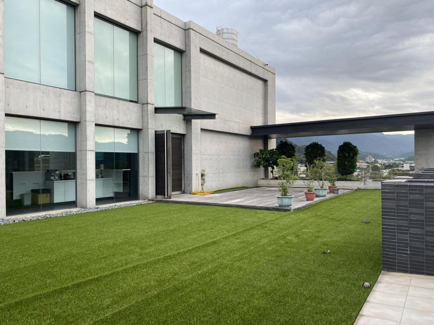 人工芝- 屋内と屋外の造園を提供するために     、使いやすい優れた排水機能!!