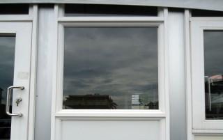 雙格玻璃牆