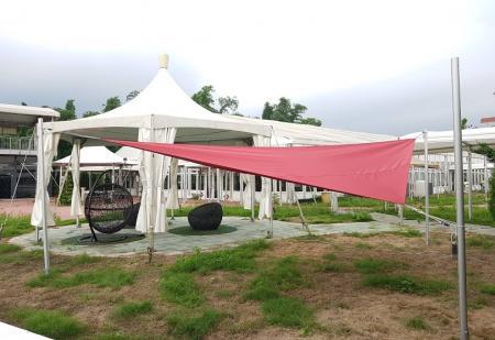 三角遮陽篷