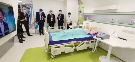 JosonCare ES-12HD bed applies in ICU room