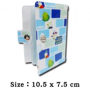 ボタン付きの柔らかいプラスチック製IDカードホルダー