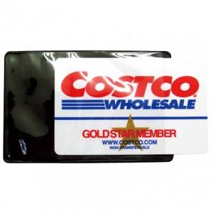 柔らかいプラスチック製のIDカードホルダー