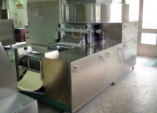 (5) Material Feeding & Compounding Machine