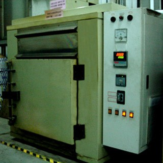 Post-curing machine (multi-stage temperature regulator)