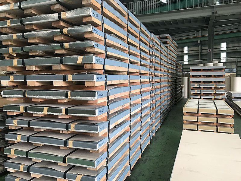 Stainless steel sheet and stainless steel coil export packing.