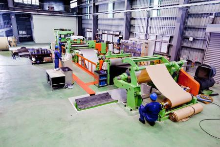 我司5呎不鏽鋼分條機可提供最小寬度為38mm的分條寬度。
