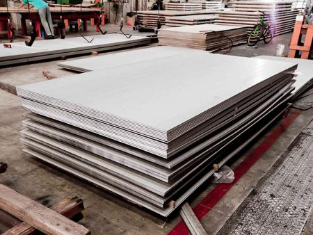 AISI 304 / 304L - Stainless steel plate are mainly used for chemical tank, gate, mechanical component or reprocessing to stainless steel flat bar or stainless steel angel.