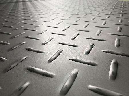 Stainless Steel Checker Plate - Stainless Steel Checker Plates Manufactured by Stamping