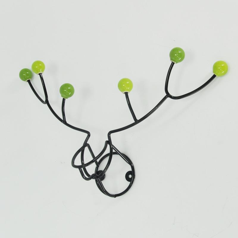 Крючок в форме оленя разработан нашим дизайнером.