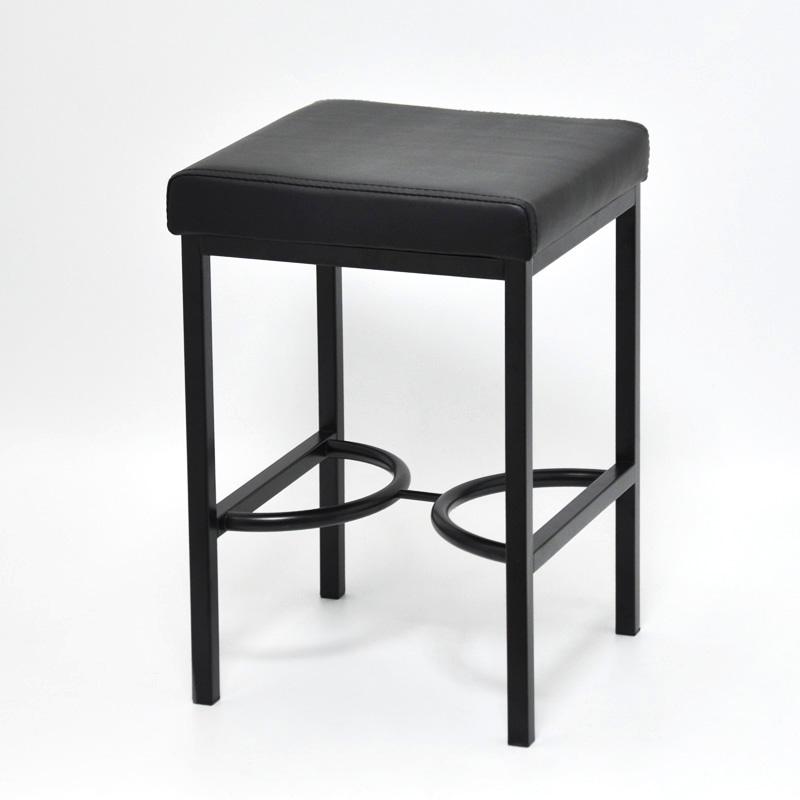 Базовая мебель для вашей гостиной.