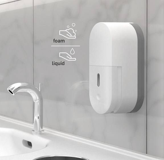 Wall mounted manual soap dispenser