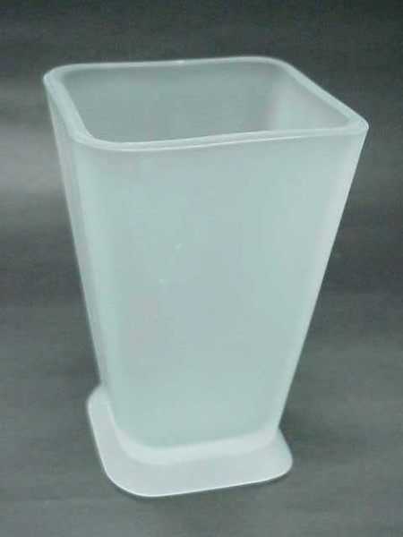 玻璃霧白色倒錐四方形漱口杯