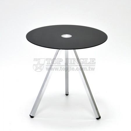 丸い形のコーヒーテーブル