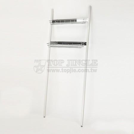 Лестница с корзинами для хранения