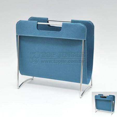 Cestino per riviste in filo metallico con design in panno di feltro blu