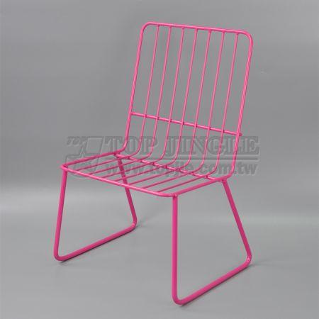 Детский стул из железной проволоки