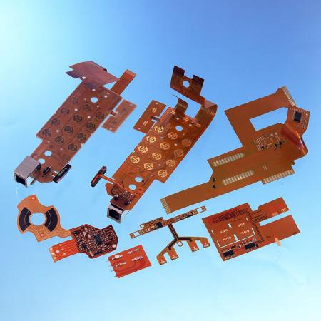 Circuito stampato flessibile - FPC bifacciale assemblato con componenti.