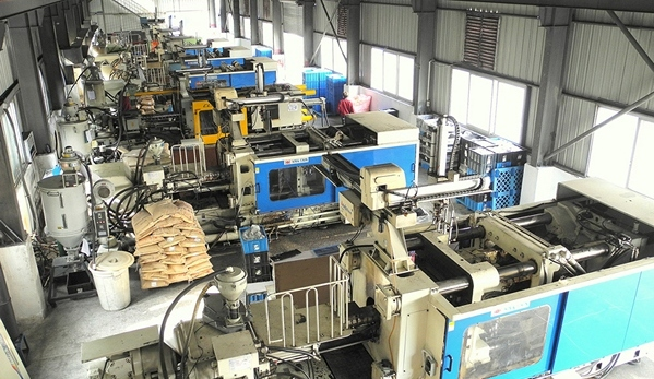 Production Plastics - Injection Machines