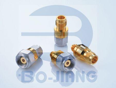 1.35mm(E Band)同軸連接器 - 135mm Series