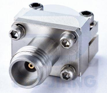 Разъем для запуска с внутренней стороны 2,4 мм - Беспаечный торцевой ввод с разъемом 2,4 мм для печатной платы, от постоянного тока до 50 ГГц