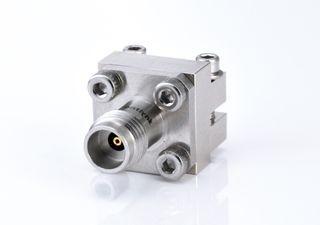 Разъем для пуска с внутренней резьбой 2,4 мм - Беспаечный торцевой ввод с разъемом 2,4 мм для печатной платы, от постоянного тока до 50 ГГц