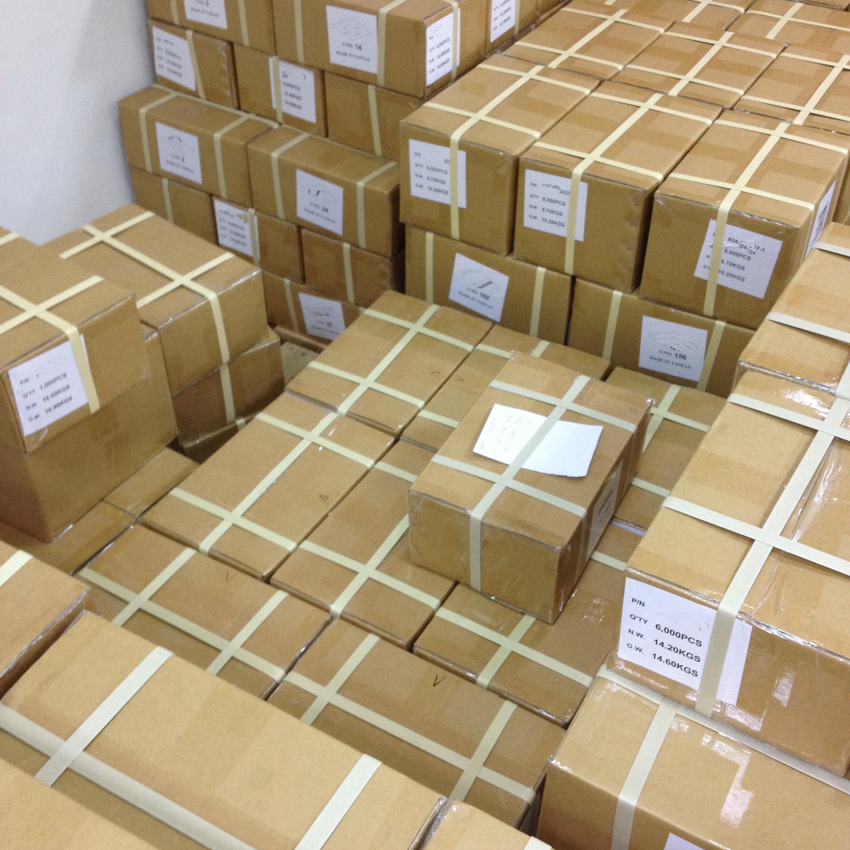 ขนาดกล่องของเราคือ 31 X 21 X 13 CM เรายังสามารถปรับแต่งตามคำขอของคุณ