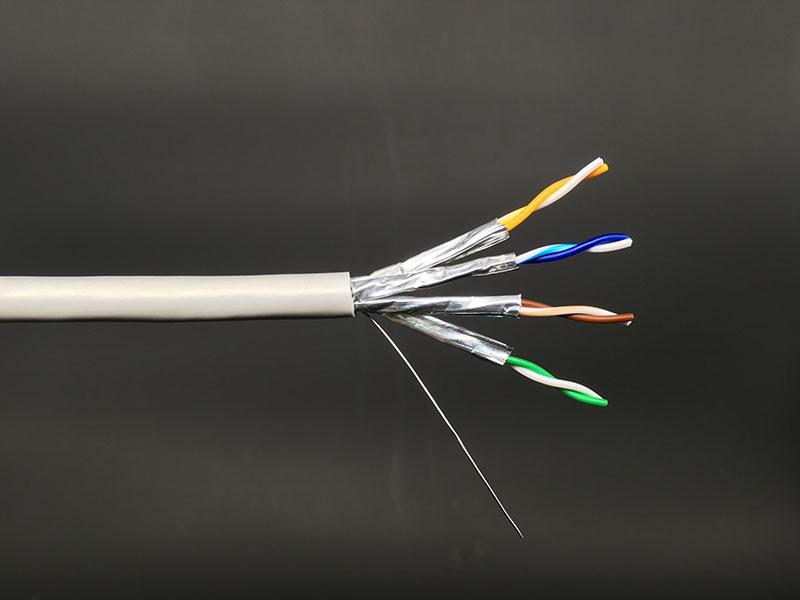 Hochleistungs-LAN-Kabel der Kategorie 6A