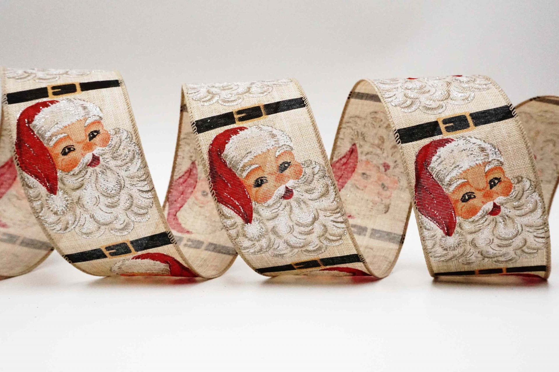 Amiable Santa Ribbon