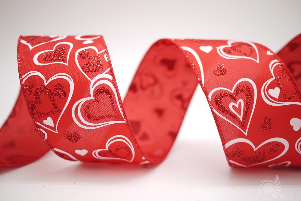 Fita de cetim de corações dos namorados