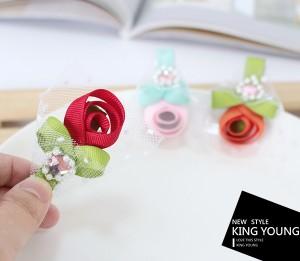 Mini grampo de cabelo de rosas de fita