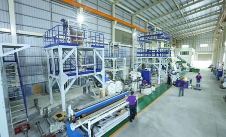 Mesin film yang ditiup di pabrik
