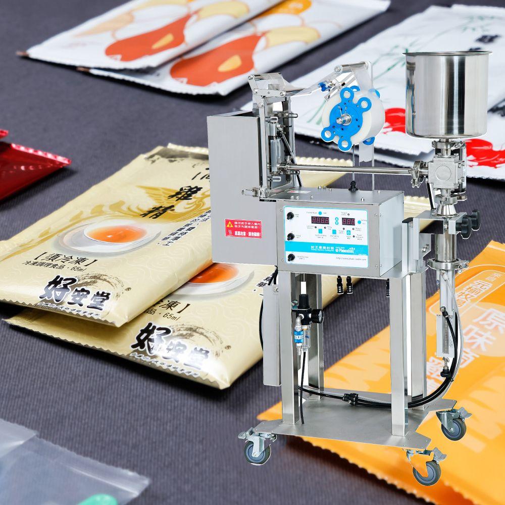 Máquina automática de embalagem de sachês