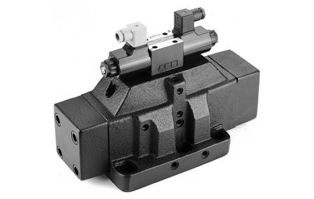 P10 ovládaný směrový regulační ventil D10 / NG32 / CETOP-10 - Pilotně ovládaný směrový regulační ventil.