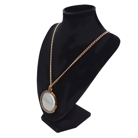 Pendant magnifying glass with necklace