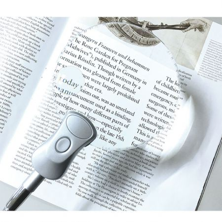 2x/ 4x bifocal lighted lamp magnifier for reading