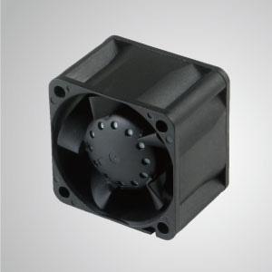 Der TITAN-Ventilator für statischen Hochdruck hat drei Eigenschaften: Hoher statischer Druck, hoher Luftstrom, lange Lappenlänge.