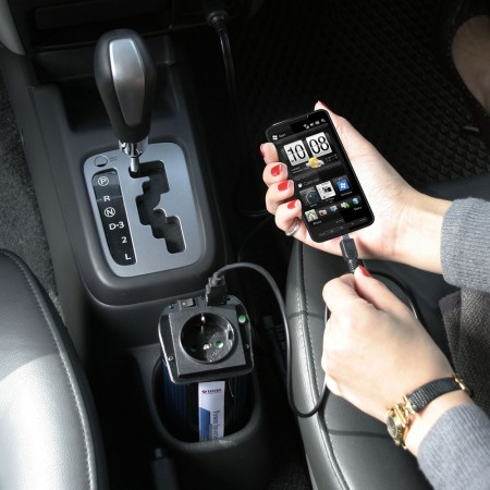 Equipped with cigarette lighter plug for phone and teblet
