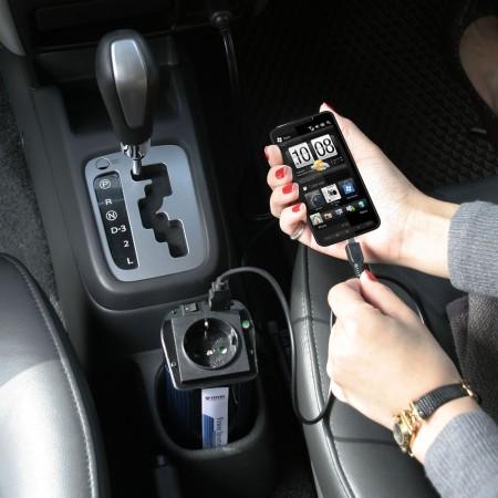 電話やテブレット用のシガレットライタープラグを装備