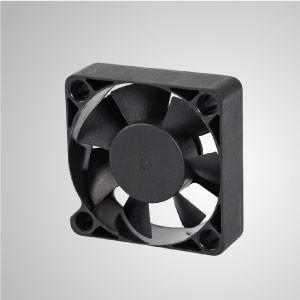 Ventilador de refrigeración de CC con series de 50 mm x 50 mm x 15 mm - TITAN- Ventilador de enfriamiento de CC con ventilador de 50 mm x 50 mm x 15 mm, proporciona tipos versátiles para las necesidades del usuario.